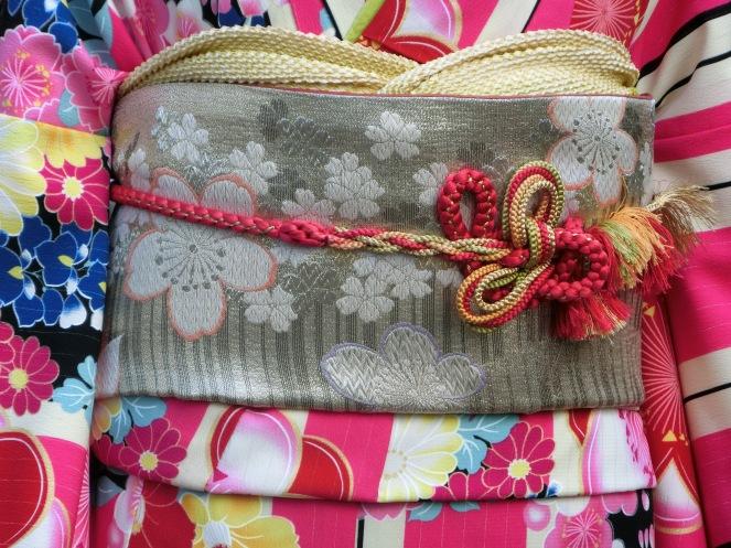 avril Japon pvt working holiday visa expatriation Kyoto geisha kimono