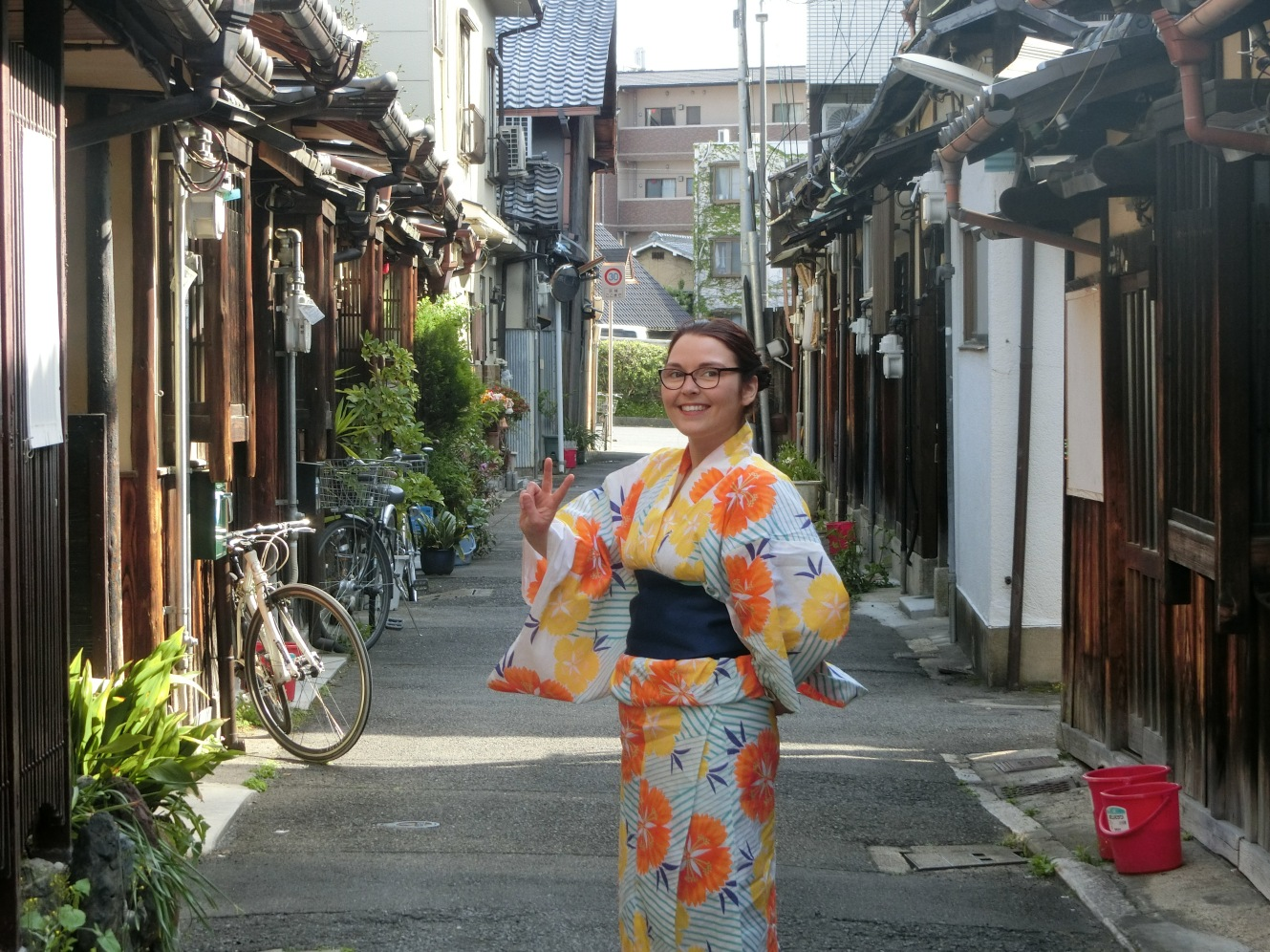 avril japon pvt whv kyoto yukata expatriation