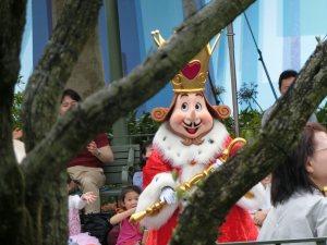 Tokyo Disney parc park comparaison Orlando Paris attractions personnages souvenirs