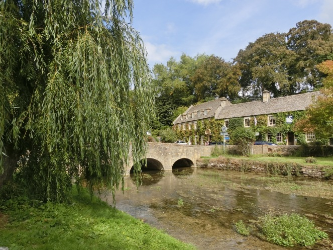 cotswold ; Bibury ; Angleterre ; village pittoresque